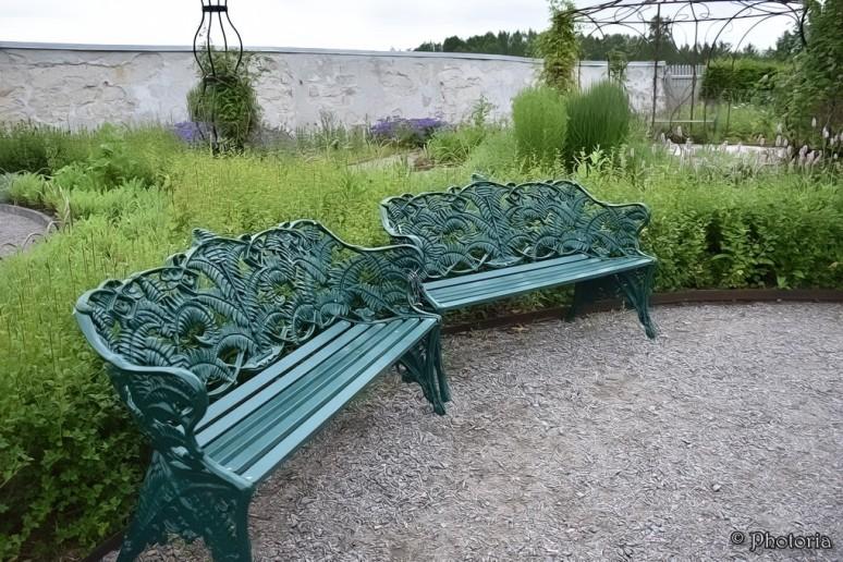 benches_9a